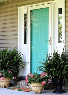 How To Paint A Front Door Without Removing It Painting your front door will give you loads of instant curb appeal. Learn how to paint your front door the easy way. Also includes how to strip a metal door if it has a lot of peeling and chipping. Sliding Glass Door, Door Decorations, Metal Doors Makeover, Painted Doors, Painted Front Doors, Metal Front Door, Painting Metal Doors, Metal Door, Front Door Decor