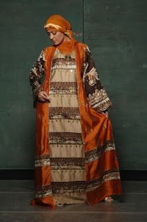 Hijabi Style - Hijab Fashion Blog: Abaya Fashion: Bright Bedouin Glamor