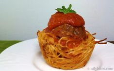 """Baked Spaghetti and Meatball Cups 