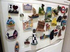 La gente cuando viaja acostumbra a adquirir algún objeto de recuerdo, un souvenir. En Travel4you nos traemos imanes de nevera o magnets fridge