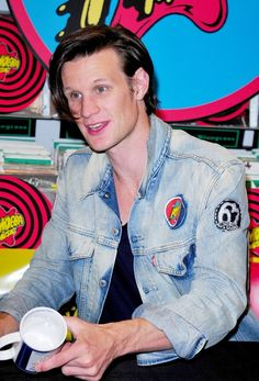 Matt Smith Picture 15 - Doctor Who: Series 6 DVD Signing - Signing