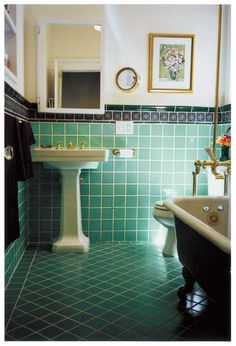 Remodeled to look original, this bath is in a 1928 Mediterranean Revival house. Photo: Danny Fitzpatrick
