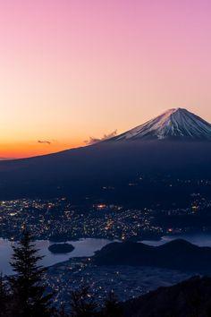 Mt Fuji, Japan by Yasuhiko Yarimizu Monte Fuji, The Places Youll Go, Places To See, Wonderful Places, Beautiful Places, Fuji Mountain, Japan Photo, Perfect World, Japan Travel