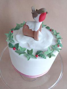Christmas Robin Cake - Cake by Julia Hardy Christmas Themed Cake, Christmas Cake Designs, Christmas Cake Topper, Christmas Cake Decorations, Christmas Cupcakes, Christmas Sweets, Christmas Cooking, Christmas Pudding, Xmas Food