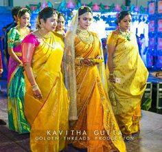 Trending Kanjeevaram sarees from Famous Fashion Designers! South Indian Weddings, South Indian Bride, Indian Bridal, Kerala Bride, Hindu Bride, Gold Jewelry, Flower Jewelry, Jewelry Shop, Jewelry Holder