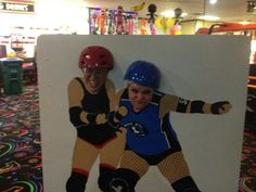 Awesome home bout photo stand idea:) Great idea for fan involvement. Roller derby.