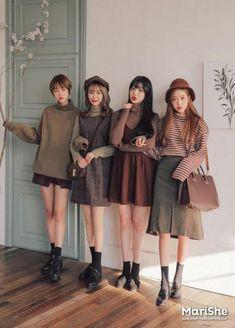 Marishe Korean Fashion Similar Look I Pin By Aki Warinda - # K fashion Korean Street Fashion, Korean Fashion Trends, Korea Fashion, Asian Fashion, Look Fashion, 90s Fashion, Fashion Outfits, Fashion Design, Korea Street Style