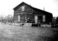 Reminds me of my great grandparents' ranch house at Tarpley.