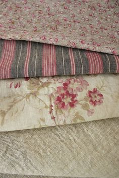 Antique / Vintage  Project Bundle , French fabric pack ~ lovely for patchwork , design inspiration, craft projects,  pillows and small decorative projects ~ lovelyl French country fabrics ~  www.textiletrunk.com