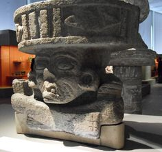 C'est le jaguar sacré qui accueille le public à l'exposition « TEOTIHUACAN » à voir au Quai Branly jusqu'au 24 janvier 2010, histoire de fêter le c entenaire de la Révolution mexicaine, et le bicentenaire de l'Indépendance du pays. En langue náhuatl,...