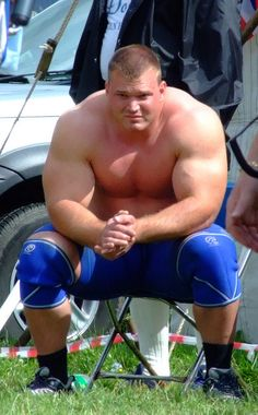1000+ images about Strongmen and powerlifters on Pinterest ...Derek Poundstone Bench