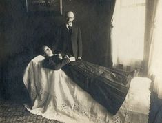 Often such memento mori were the only picture of the person ever taken. Rarely were coffins shown in the pictures because the idea was to make the person look alive – only sleeping or lost in thought. Memento Mori, Photographie Post Mortem, Post Mortem Pictures, Victorian Photos, Victorian Era, Post Mortem Photography, Book Of The Dead, After Life, Before Us