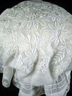 antique lace image from Sheelin Antique Lace Museum