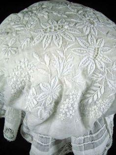 antique lace image from Sheelin Antique Lace Museum