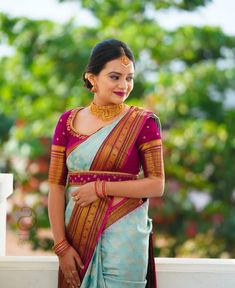 silk saree blouse designs pattern with belt Wedding Saree Blouse Designs, Pattu Saree Blouse Designs, Half Saree Designs, Fancy Blouse Designs, Pattu Sarees Wedding, Bridal Silk Saree, Designer Saree Blouses, Designer Blouse Patterns, Saree With Belt