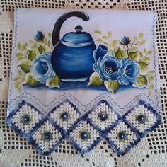 Bico de crochê em pano de prato: 80 fotos, vídeos e gráficos lindíssimos Crochet Magazine, Fabric Painting, Painted Rocks, Diy And Crafts, Colours, Blanket, Muscle Building, Dish Towels, Tricot