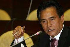 Islam Garis Lurus: Yusril: Komunisme akan Menghancurleburkan Pancasil...