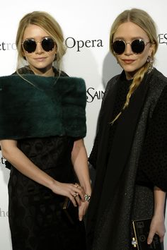 c9c0dd6e05 Mary-Kate and Ashley Olsen s Best Twinning Beauty Looks Through the Years Ashley  Olsen Hair
