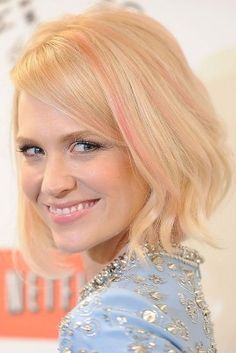 January Jones liebt pinke Strähnen