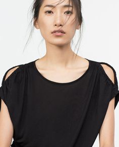 Image 4 of FLOWING T-SHIRT from Zara