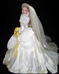 Corinne Barbie Bridal, Barbie Wedding Dress, Wedding Doll, Barbie Dress, Barbie Clothes, Wedding Dresses, Pretty White Dresses, Bride Dolls, Mini Vestidos
