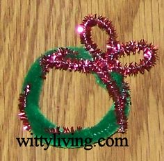 Girl Scout Swap Craft Ideas   festive mini pipe cleaner christmas wreath for girls to swap