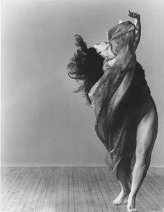 You were wild once. Don't let them tame you. - Isadora Duncan........que los años pasando no nos venzan.....