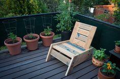 SÃO RAFAEL modern/vintage reclaimed wood deck chair