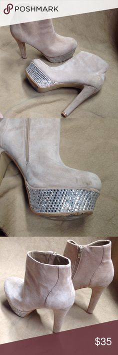 Steve Madden suede rhinestone boots size 8.5 Super sexy Steve Madden suede beige boots with silver rhinestones. Small mark on inside of left foot (photo). Holiday glam and style! Size 8.5 Steve Madden Shoes Heeled Boots