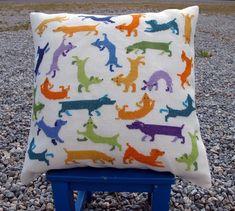 Gravhunde - Strik og broderi - garn, kits og designs i Sommerfuglen
