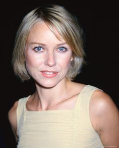 Google Image Result for http://www.bestcelebrityhairstyles.com/wp-content/uploads/2009/10/Naomi-Watts-short-hairstyle.jpg