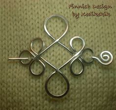 ❀ ƸӜƷ ❀ ❤ ❀ ƸӜƷ ❀ ❤ ❀ ƸӜƷ ❀ ❤ ❀ ƸӜƷ ❀ ❤ ❀ ƸӜƷ ❀ ❤ ❀ ƸӜƷ ❀ This beautiful pin can be used as a brooch on a woollen cardigans, scarfs or as a hair pin to Hair Jewelry, Metal Jewelry, Jewelry Art, Beaded Jewelry, Handmade Jewelry, Celtic Wire Jewelry, Aluminum Wire Jewelry, Jewellery, Wire Jewelry Making
