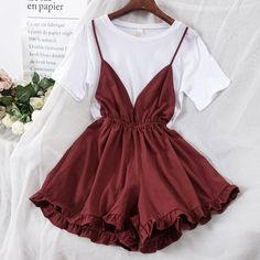 2018 new fashion women& T shirt+ loose straps shorts two-piece suit female summer clothing set Cute Casual Outfits, Pretty Outfits, Pretty Dresses, Beautiful Dresses, Summer Outfits, Teen Fashion Outfits, Cute Fashion, Look Fashion, Fashion Dresses
