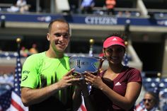 Sania Mirza and Bruno Soares are the 2014 US Open Mixed Doubles Champions.
