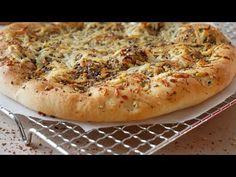 Arabische Pizza (Manakish) mit Zatar & Halloumi || Arabisch Manakisch mit Zatar || [ENG SUBS] Halloumi, Strudel, Zatar Recipes, Grill Panini, Kitchen Machine, Ground Coriander, Complete Recipe, Salad Bowls, Koken