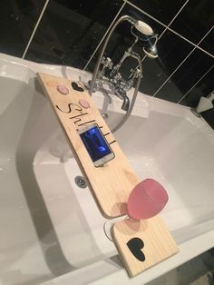 """Bath time with """"bath buddy"""" Standard size. Can be adapted for iPad use too ☺️ #WoodworkIdeas"""