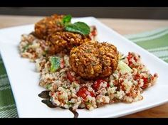 Falafel on Tabbouleh, delicious Arab food combo! Veggie Recipes, Lunch Recipes, Healthy Recipes, Veggie Food, Rice Recipes, Vegetarian Recipes, Recipies, Dinner Recipes, Healthy Foods To Eat