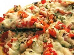 Rýchle cesto na pizzu - Najskôr si urobíme kvások z teplej vody, medu a droždia.   ..