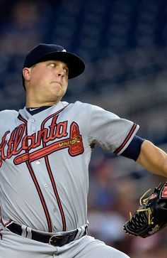 Starting pitcher Kris Medlen #54 of the Atlanta Braves throws a pitcher in the second inning against the Washington Nationals during the game at Nationals Park.