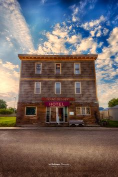 "Dog River Hotel The ""Dog River Hotel"" in Rouleau, Saskatchewan. This building was featured in the Canadian TV series ""Corner Gas"". Saskatchewan Canada, Western Canada, The Province, Abandoned Houses, Small Towns, Ian Mcgregor, Places Ive Been, North America, Opera House"