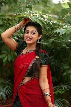 Beautiful Saree, Beautiful Indian Actress, Indian Women Painting, Heroine Photos, Actress Wallpaper, Indian Models, Beautiful Girl Image, Half Saree, Woman Painting