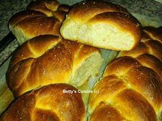Betty's Cuisine: Τσουρέκι νηστίσιμο με γλυκάνισο