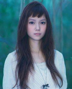 Pin by アルフイ on かみがた in 2019 Japanese Beauty, Japanese Girl, Harajuku Girls, Asian Hair, Cut And Color, Medium Hair Styles, Hairdresser, Bangs, Beauty Hacks