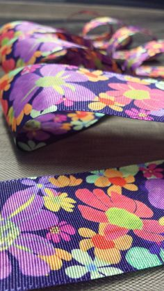 Eye-filling ribbons: beautiful fashion solution Fashion Details, Ribbons, Fashion Art, Sunglasses Case, Eye, Modern, Beautiful, Trendy Tree, Grinding