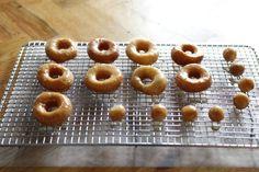 alanakdavis.blogspot.com: Easy Donuts