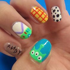 Disney Themed Nail Art Ideas Girls will be girls ! Try out something different for every one of your nails and you're going to be happy.If you want to paint a nail art to remember your favorite Disney image. Disney Nail Designs, Nail Art Designs, Nail Designs For Kids, Pedicure Designs, Nails Design, Frozen Nail Designs, Salon Design, Toy Story Nails, Disney Manicure