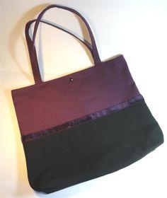 tote bag bicolore noir et prune bordé de galon à paillettes prune : Sacs à main par mademoiselle-rose