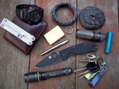 Show your EDC - Recommended by http://www.fishinglondon.co.uk/