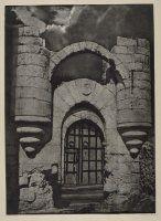 José Ortiz Echagüe Puertas- Portada en ruinas del Castillo de Cuéllar, Segovia 1922