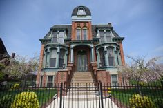 Take a look at the historic streets of Detroit's Brush Park neighborhood and its late victorian mansions, both restored and vacant. Abandoned Detroit, Victorian Homes, Old Houses, Notre Dame, Michigan, The Neighbourhood, Restoration, Mansions, Park